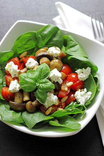 Mushrooms, Tomatoes and Goat Cheese