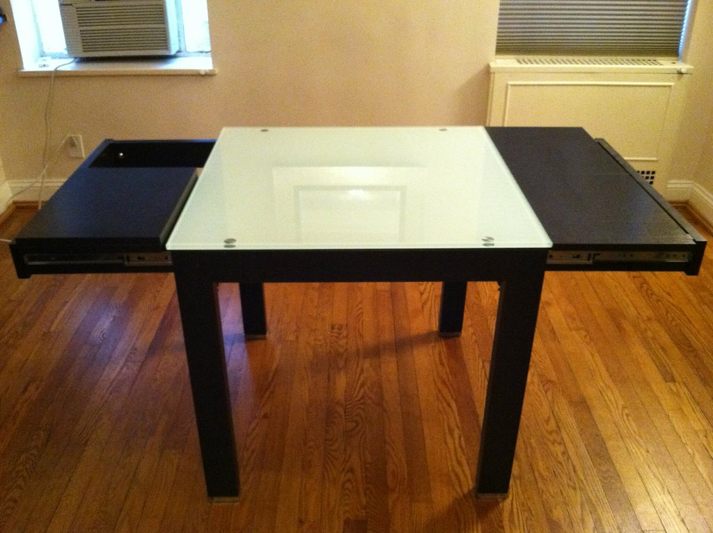 Dining Table (extending)