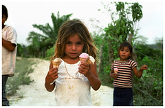 Guatemala (Michael Ast) Tags: leica girl children cone guatemala belize border innocent drip icecream guatemalan