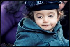 British Girl (Alan Mezzomo) Tags: winter cold cute girl face look hat geotagged kid olhar nikon toddler sara child sweet expression coat 85mm criana menina inverno frio rosto chapu fofa casaco 2yo fofinha expresso d90 geo:lat=29926289554943846 geo:lon=5117544756952401