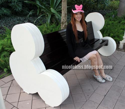 mickey bench