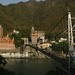 A cidade e cortada pelo sagrado Rio Ganges