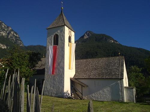 Das Kirchlein im Weiler Ums am Schlern