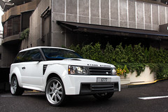 Range Stormer. (Alex Penfold) Tags: auto door camera 2 summer white 3 west cars alex sports car sport mobile canon photography eos coast photo cool flickr image awesome flash picture rover super spot arabic exotic photograph arab spotted hyper custom range coupe supercar spotting numberplate exotica sportscar qatar customs sportscars supercars penfold stormer spotter qtr 2011 hypercar 60d hypercars alexpenfold