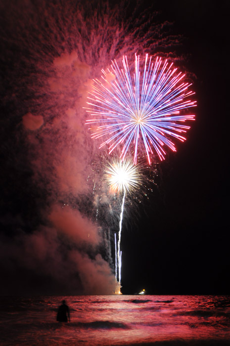 web_fireworks_smokey_0083