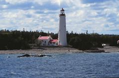 19910911 Kanada Thousand Islands Leuchtturm (2) (j.ardin) Tags: lighthouse ontario canada faro thousandislands lakeontario beacon phare leuchtturm kanada leuchtfeuer