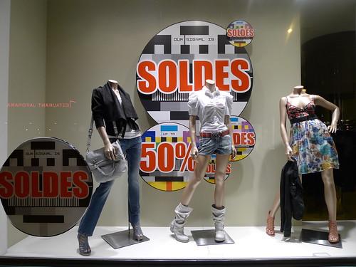 Vitrines Soldes Miss Sixty - Paris, Juin 2011