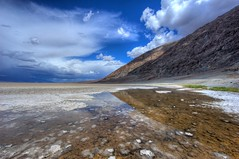 Badwater / Death Valley (Daniel J. Mueller) Tags: california park usa lake reflection water clouds death salt national valley newvision colorphotoaward d3s bestcapturesaoi mygearandmebronze mygearandmeplatinum dblringexcellence artistoftheyearlevel6 peregrino27newvision