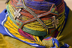 Muhuila with necklace - Angola (Alfred Weidinger) Tags: leica angora s2 huila angola mumuila   leicas2 muhuila  suldeangola mumuhuila mwila  provinciahuila mumilla angol  anqola langola