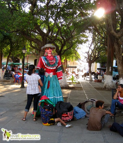 Granada Nicaragua Central Park Dolls Peaking Under