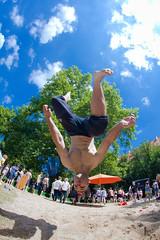 Parkour #1 (Kacper Gunia) Tags: boy 2 people man tree sport fly jump energy action extreme free run move le leparkour salto slot parkour energia backflip warsztaty platan freerun reportaż uczestnicy reporta¿ kacpergunia