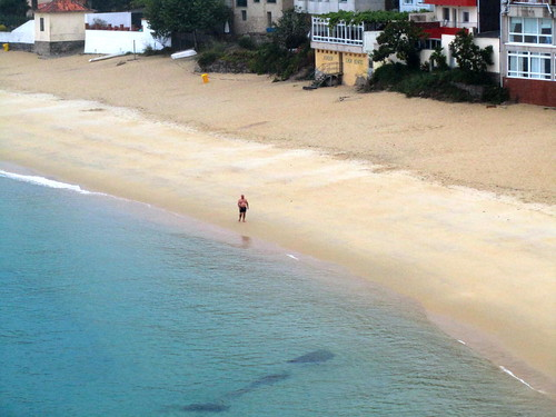 Tipo solo en la playa 2 by JoseAngelGarciaLanda