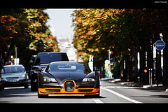 Bugatti Veyron SuperSport World Record Edition (Valkarth) Tags: world summer paris france car sport speed europe ultimate ss dream super voiture arab coche 400 arabia series 23 arabian q edition bugatti qt supercar reve ete qatar veyron supersport ultime faster kmh qtr wre althani arabie qatari hypercar preserie