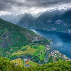 Aurland (Mariusz Petelicki) Tags: norway clouds norge fiord hdr aurland aurlandsfjorden skandynawia aurlandsvangen vertorama mariuszpetelicki norewgia