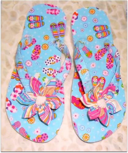 Chinelos em tecido , personalizados by Fuxiquices-da-isa