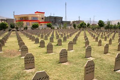 "Friedhof für die Ermordeten in Halabja (Foto: J.Dittrich) • <a style=""font-size:0.8em;"" href=""http://www.flickr.com/photos/65713616@N03/6034671751/"" target=""_blank"">View on Flickr</a>"