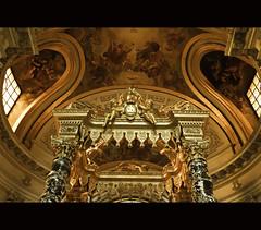Dome church, Les Invalides (zilverbat.) Tags: travel paris france church canon europa raw warmth dome sarcophagus napoleon metropolis cinematic kerk lesinvalides parijs lightroom reizen barok lr3 altare 2011 napoleonbonaparte altaar cs5 canon7d zilverbat
