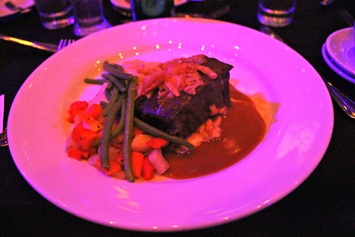 Entree - Short ribs, mashed potatoes, vegetables