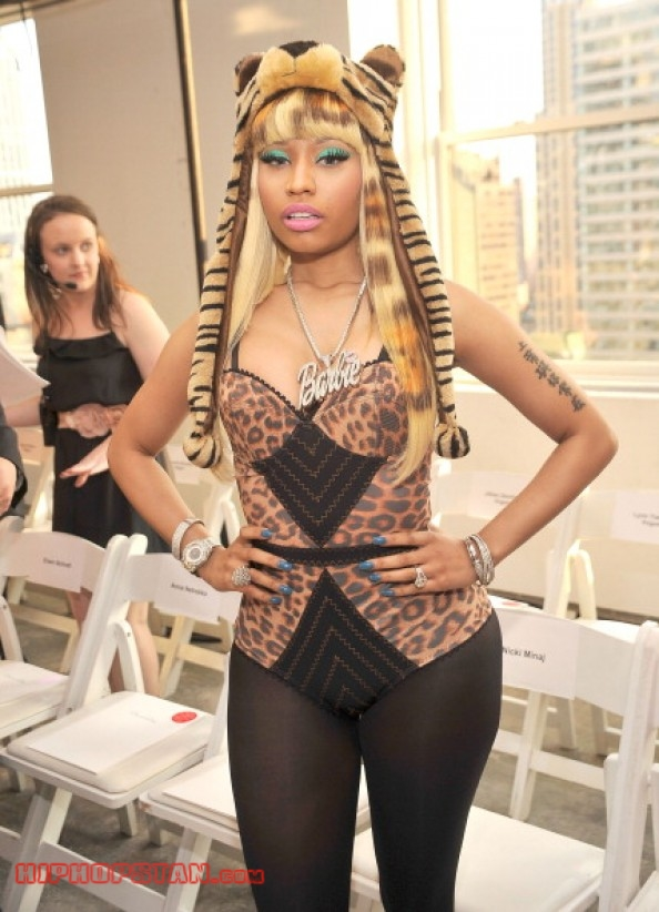 Nicki-Minaj-Animal-Print-Outfit (11)