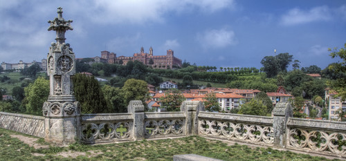 View of the university of Comillas. Cantabria. Vista de la universidad de Comilla