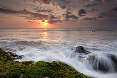 Last waves Dreamland Beach (jeffiebrown) Tags: sunset bali surfers dreamland dreamlandbeach jeffiebrown hitechfilters