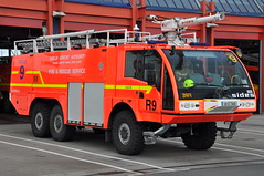 Dublin Airport Fire Service Rescue 9 2009 Sides S3000 6x6 RIFT 09D7409 (Shane Casey CK25) Tags: ireland dublin irish rescue 6x6 fire airport nikon 9 foam service rapid 2009 tender s3000 sides intervention rift d90 09d7409