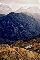 Chemre Gompa (Prabhu B Doss) Tags: india building nikon buddha buddhist religion monastery leh himalayas ladakh shakti gompa karu travelphotography jammuandkashmir 2011 namgyal bikeexpedition juley incredibleindia d80 chemrey 70300vr prabhub chemre prabhubdoss sengge drugpamonasticorder zerommphotography 0mmphotography