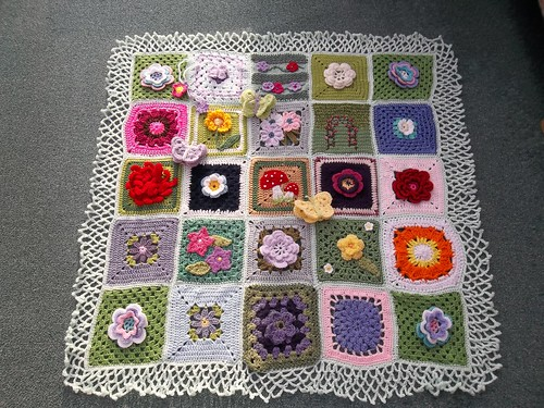 Such wonderful squares Ladies! 'Please add note if you see your Square!'.
