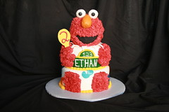 "Elmo birthday cake • <a style=""font-size:0.8em;"" href=""http://www.flickr.com/photos/60584691@N02/6183384383/"" target=""_blank"">View on Flickr</a>"