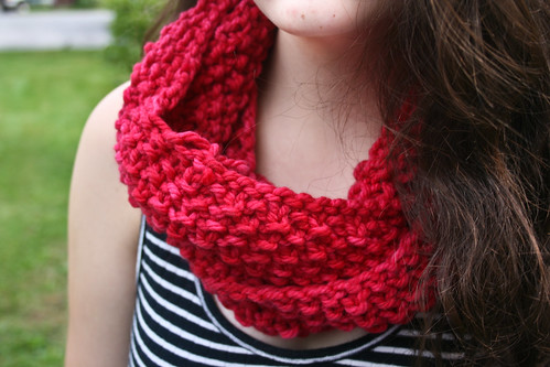 By request: GAP-tastic cowl in Malabrigo Chunky 'Geranio'