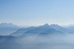 Blue Mountains (Mr.Bones) Tags: blue alps fall silhouette fog germany bayern bavaria nebel herbst berge alpen blau mountans
