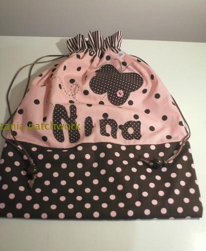 Saquinho de roupa suja Menina by tania patchwork