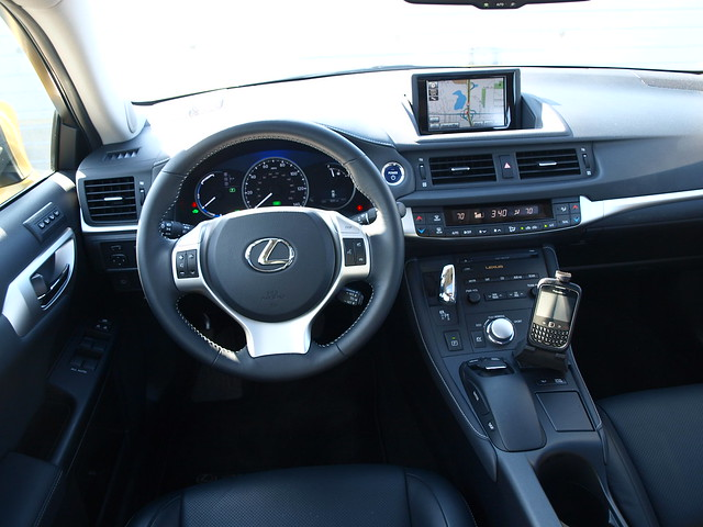 2011 Lexus CT 200h 14