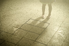 (Ebtesam.) Tags: playing blur girl 50mm nikon jeddah saudiarabia ابتسام ebtesam