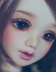 Clover close-up 1 (Cyristine) Tags: girl ball asian doll bjd msd jointed unoa lusis nomyens