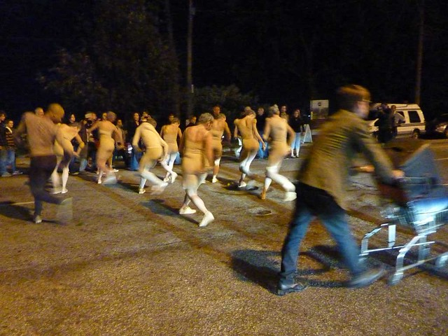 P1000685-2011-09-30-Flux-Projects-gloATL-Troop-on Peters-Street-Twisting