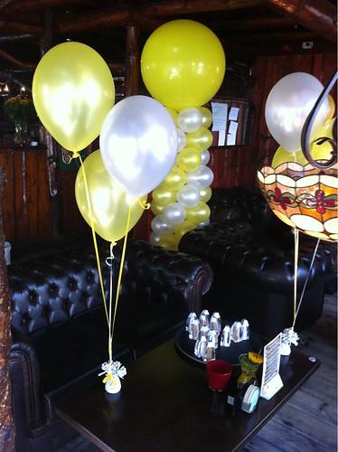 Tafeldecoratie 3ballonnen Geel en Wit t Golfie Rockanje