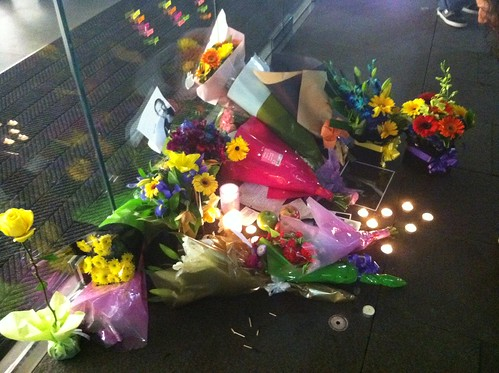 Apple Store vigil for Steve Jobs in Sydney