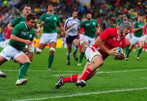 Davies segna la meta contro l'Irlanda