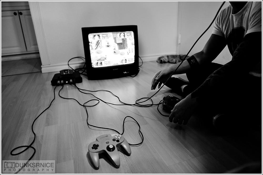 Play B&W.