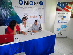 ON | OFF Chat 2011 Balikpapan (Miss Ollie) Tags: hijab blogger balikpapan onoff onoffchat bpnblogger onoffbalikpapan
