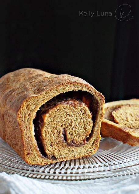 Pumpkin Cinn Swirl bread-crumb