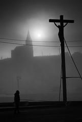 Milou n'pisse pas sur la croix (mR LuLu (zErO EmIsSiOn)) Tags: fuji jesus dieppe brouillard s5pro