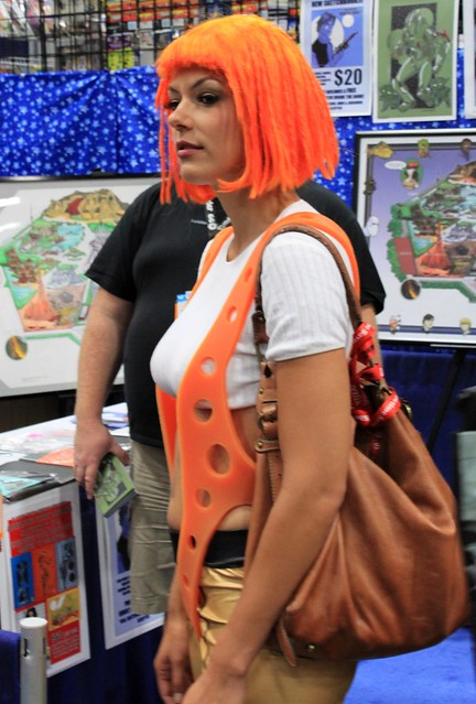 2011-Model ADRIANNE CURRY as the 5th Element at SDCC-01