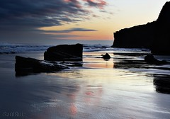donde se miran las nubes pa ponerse guapas  EXPLORE (RalRuiz) Tags: espaa sunrise mar agua colores galicia amanecer cielo nubes espejo lugo reflejos ribadeo playadelascatedrales praiaascatedrais