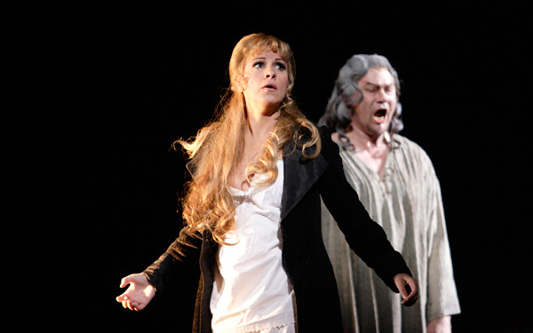 René Pape as Mephistofeles and Angela Gheorghiu as Marguerite in Faust © Catherine Ashmore/ROH 2011