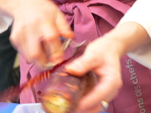 épluchage des carottes, audrey de pouilly.jpg