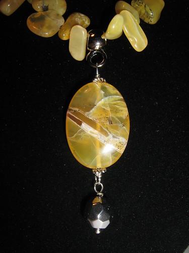 Dettaglio Yellow Opal Autumn 2011-2012 by Cristina Crijoux