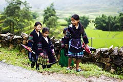 Black Hmong Girls going to school (exoticvoyages) Tags: children villages sapa hmong banho northernvietnam northwestvietnam vietnamtravel exoticvoyages