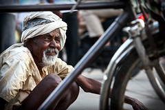 Enduring that weary cycle of time. (Parth Jhala) Tags: street portrait people india canon eos candid hyderabad 550d